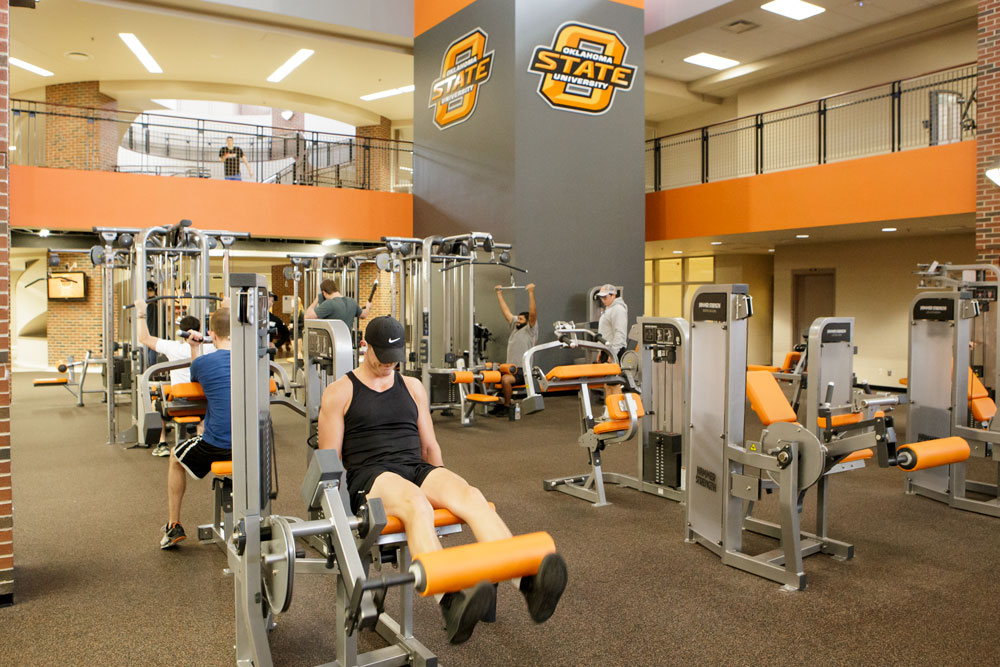 students working out in Colvin Center