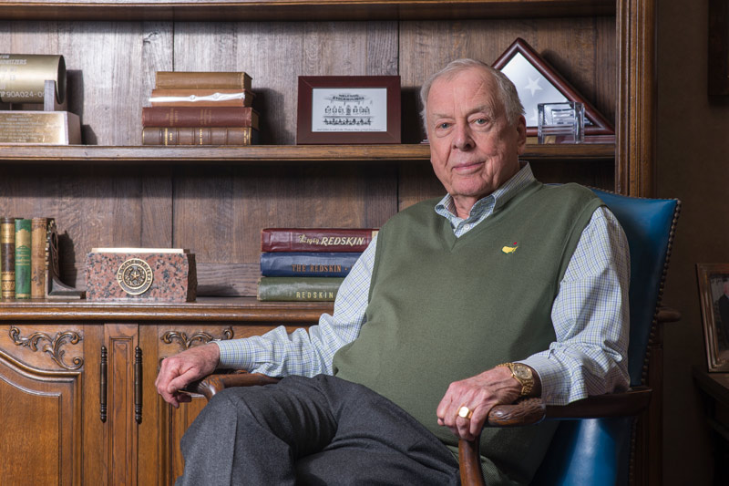 Boone Pickens in his home
