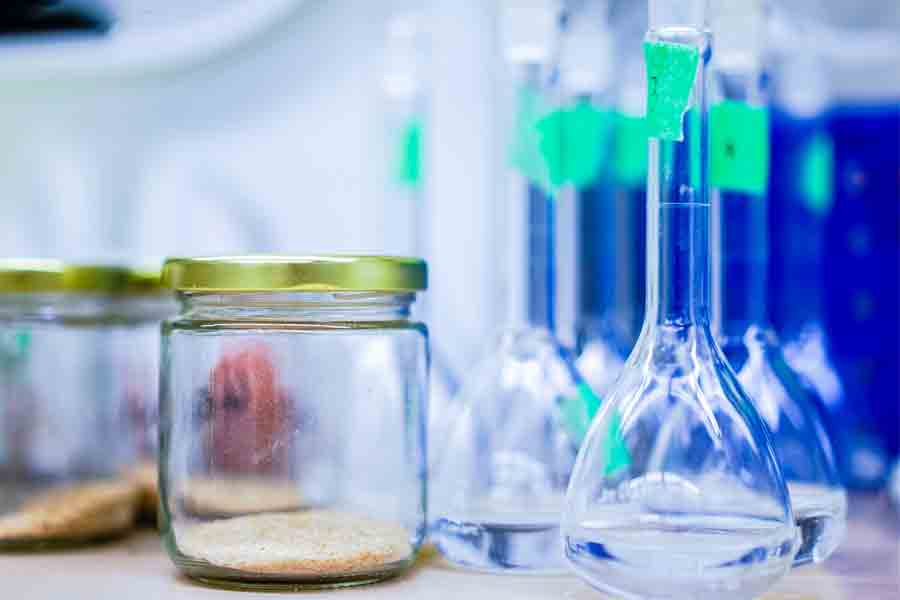 Chemistry equipment commonly used by students of this major